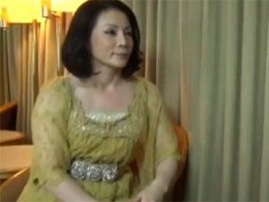 【ナンパ熟女動画】五十路素人の淫乱セレブ妻をホテルに連れ込み浮気セックスでマジイキ!