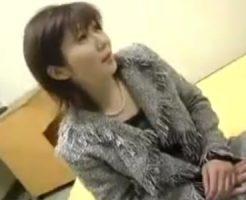 【奥様動画】40代素人の巨乳おっぱい色白奥様を捕獲…部屋に連れ込み口説き落として中出しSEX!