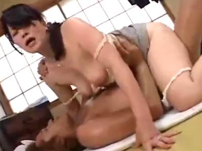 【近親相姦熟女動画】マザコン息子が五十路美熟女の巨乳お母さんに甘えてると欲情して濃厚SEX!