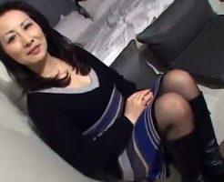 【おばさん動画】素人ゴージャス美人おばさんが久しぶりにAV出演…ブーツ履いたまま生挿入中出しSEX!