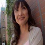 【四十路熟女動画】バツイチ子持ちのジュエリー販売員の美熟女がAV出演…10年ぶりの濃厚SEXにヨガリ狂う!