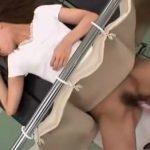 【盗撮熟女動画】産婦人科で30代素人の奥様が悪徳医師にセクハラ診察されてチンポをハメられる!