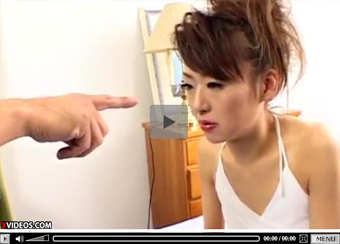 【無修正熟女動画】催眠術師に催眠をかけられた40代素人のスリム奥様が生ハメファック!