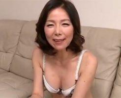 【熟女・人妻の3P・乱交動画】素人の綺麗な人妻が3PSEXで二穴同時に突かれて何度も昇天しまくる!