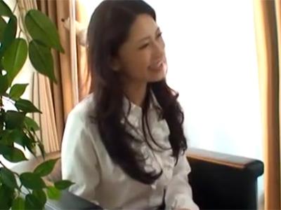 【四十路熟女動画】エレガントなスレンダー巨乳美人奥さんが女としての魅力を再確認する為にAV出演!