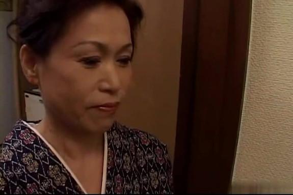【SEX熟女動画】着物姿のマダムが手マンに痙攣イキwwデカ尻揺らして喘ぎますww