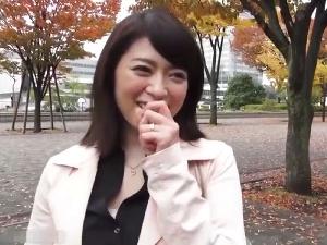 【SEX熟女動画】美女セレブ妻のフェロモンが半端なし!男を惑わす、この色香!
