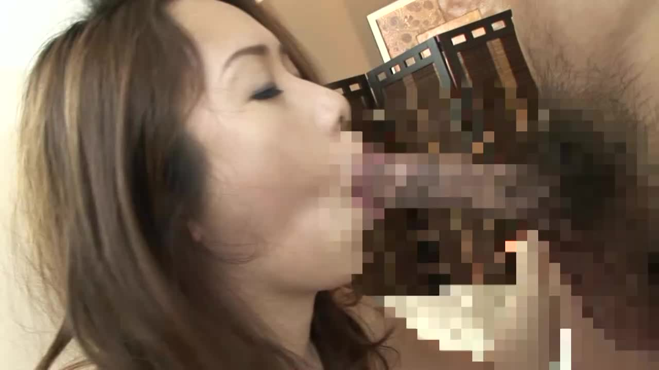 【SEX熟女動画】ぽっちゃり巨乳熟女の肉厚マンコを突き上げる肉弾セックス。突く度に脂肪を波打たせ快楽に声をあげる。