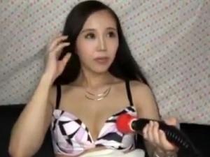 【SEX熟女動画】夜の街中でプロポーションの良い綺麗な奥様を口説いてハメ撮りへ!