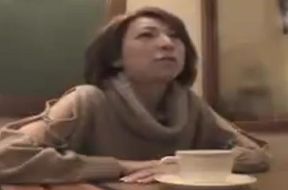 【SEX熟女動画】欲求不満のマダムを即ハメ カーセクロスだけでは納まらずホテルで膣内射精