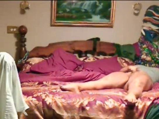 【SEX熟女動画】還暦過ぎたママのマンズリを隠し撮りwwww