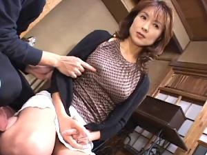 【SEX熟女動画】美熟女主婦の艶めかしいSEX!色香漂う大人の女!