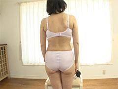 【SEX熟女動画】ガチガチに緊張してる50代熟女のランジェリー姿を舐め回すようにご覧あれw