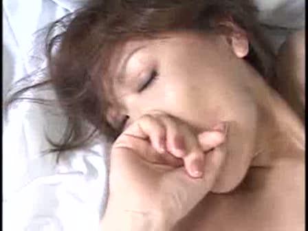 【SEX熟女動画】セクシーでスレンダーな美巨乳美熟女と旅館で濃厚セックス。クンニやフェラで奉仕し合い挿入し、最後は顔射ぶっかけ。