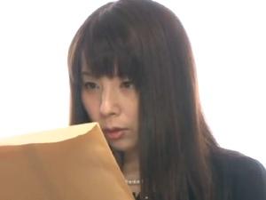 【SEX熟女動画】未亡人れいぷ!喪服をビリビリに破いてマXコにぶち込む!
