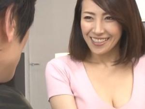 【SEX熟女動画】超絶・美熟女なバツイチ母親の寝取られ、からの中出し母子相姦!背徳中出し特集