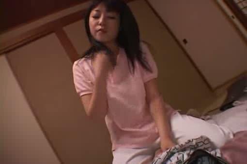 【SEX熟女動画】超リアルな可愛さの女の子が出張マッサージに来て大興奮