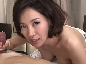 【SEX熟女動画】主観で迫って来る40代の美・魔・女マダム!過激・接吻セクロス!