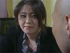 【SEX熟女動画】彼女のお母さんがこたつの中でぼくのチンチン触ってきた・・・