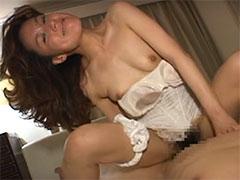 【SEX熟女動画】なんだこの野郎!?猪木顔で腰を振りまくる熟女のアヘ顔