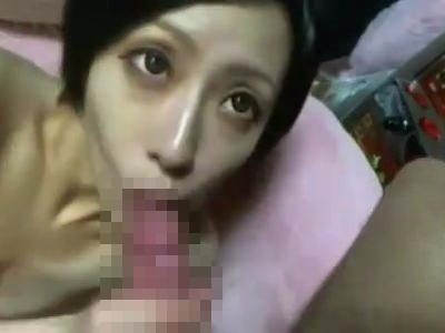 【SEX熟女動画】出会い系で知りあったアラフォー人妻と3Pセックス!カメラ目線で2本のチンチンを咥え生挿入で悶絶w