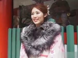【SEX熟女動画】着物美女な人妻と初詣帰りに不倫SEX!艶美な色香が最高!