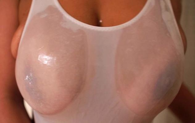 【SEX熟女動画】Gカップのヤリマンお姉さんの日焼けあとがエロくて痙攣するほどイカせたった