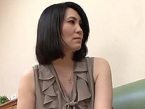 【SEX熟女動画】叔母さんの色香に誘われて・・・40代の麗しい叔母と近親交尾!!