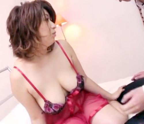 【SEX熟女動画】五十路になっても肉欲が溢れてる性剛おばさんが若い男を呼び付けランジェリー姿で誘惑セックス!