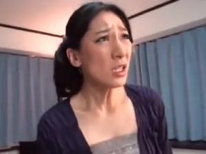 【SEX熟女動画】熟女兄嫁をレイプ!乱暴に犯し近親強姦!兄嫁のオメコに中出し!