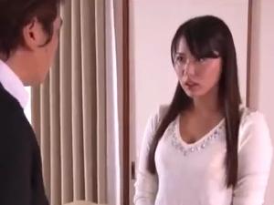 【SEX熟女動画】寝取られ悶絶人妻!ダンナの部下に股を開き…他人棒を受け入れ…