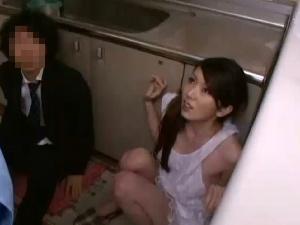 【SEX熟女動画】浮気がバレた人妻!変質者に脅され激しく犯される浮気妻!