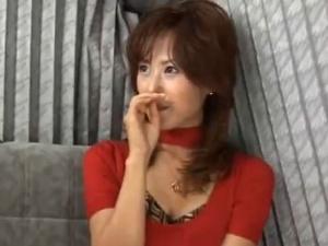 【SEX熟女動画】セレブ妻のオメコに生膣内射精!艶美な色香を放つ奥さんを犯す!