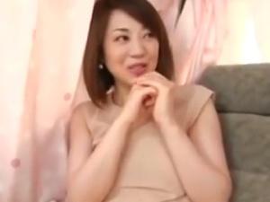 【SEX熟女動画】麗しい「美マダム」を口説き落として車の中でいきなりSEX!