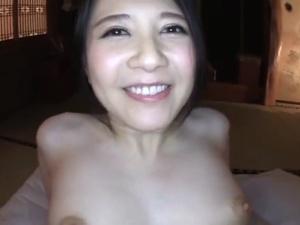 【SEX熟女動画】パイパン三十路奥さんの初撮り!生のままハメまくって中出し!