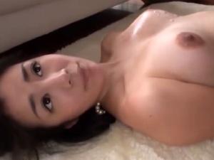 【SEX熟女動画】気品ある巨乳セレブ妻のオメコに挿入したら極エロ女に変貌www