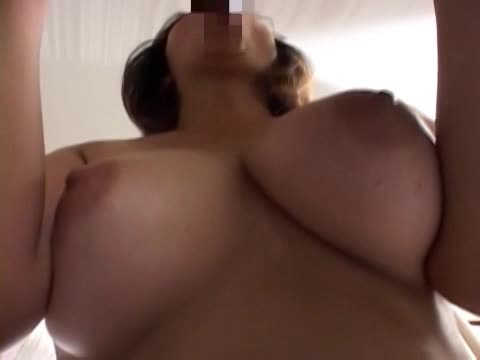 【SEX熟女動画】ぽっちゃり巨乳な美女な熟女が息子くらい若い男優の肉棒に喘ぐ浮気セクロス。突く度に全身の脂肪を揺らしイキまくり。