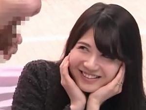 【SEX熟女動画】 巨チンにビクーリするキレイな主婦たちのシコシコお手伝い!!