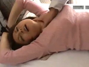 【SEX熟女動画】市営住宅妻をレイプ!両手をロープで拘束して首絞め無残なレ○プ!
