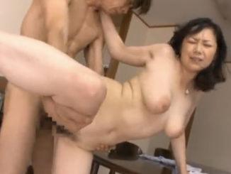 【SEX熟女動画】四十路熟女の浮気セクロスほど濃厚でエロいプレイはないwww沢村麻那