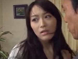 【SEX熟女動画】居候中の義弟にカラダを犯され中出しされる美人妻