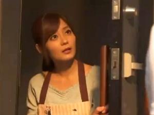 【SEX熟女動画】近親暴漢される可憐で美しい若妻!ダンナの従弟に無理矢理犯され脅迫されて…