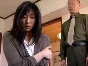 【SEX熟女動画】浮気妻の濃厚接吻性交!抵抗あるも拒めず今日もまた寝取られ!