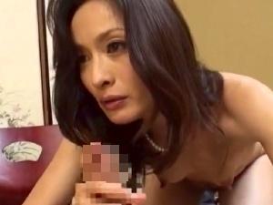 【SEX熟女動画】40代50代の「べっぴん美魔女」なマダム達!本気汁まみれの禁断交尾!!!