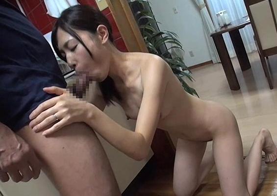【SEX熟女動画】ダンナのいない自宅に見ず知らずの年上男をあげて即性交4SEX
