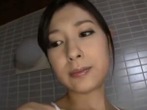 【SEX熟女動画】煌びやかなアラフォー熟妻のヌルヌルセクロス&セクシー下着着衣性交!