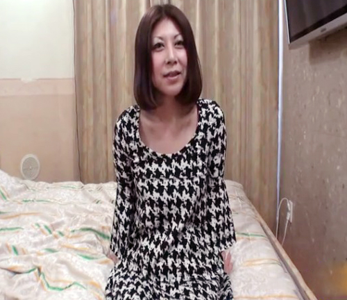【SEX熟女動画】セクロスすると体調が良くなると豪語する四十路越えの美女熟女が美貌維持の為に精子を子宮に蓄える