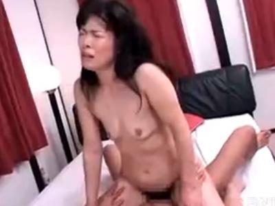 【高齢熟女動画】六十路おばさんがセックスレスでAV出演して若い男とのSEXで悶絶!